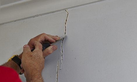plaster cracks